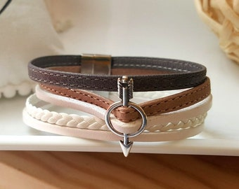 Cuff made of leather straps