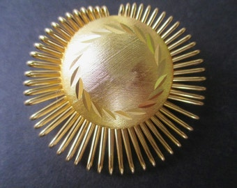 SCARF CLIP / Circle * SUNBURST * Goldtone * Gift For Her