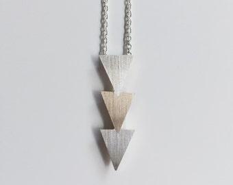 Dreieck-Halskette aus Bronze und Sterlingsilber - geometrische Stammes-Collier handgefertigt