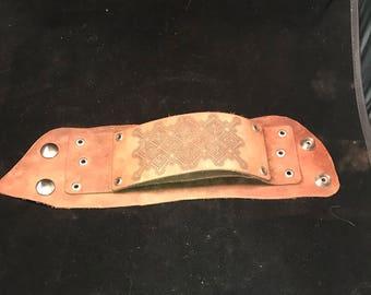 Leather cut with shipibo like pattern