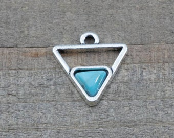 10 PIECES triangle pendant with turquoise imitation cabochon, triangle pendant, bohemian pendant, triangle charm, turquoise pendant B0083840