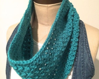Crocheted Openwork Turquoise Cowl/Neckwarmer/Infinity Scarf - FREE U.S. SHIPPING