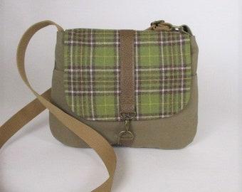 Washington -- Crossbody messenger bag - Crossover bag - Travel purse - Canvas - Preppy - Vintage wool - Medium- Green - Plaid -Ready to ship