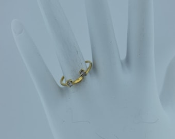 14K Yellow Gold Wrap with 6 Baguettes, 3 on each side, size 7