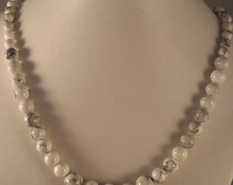 Necklace Howlite stone removal, progressive 6-10mm beads