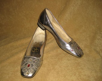 Silver Flats Jeweled Slip On Shoes Size 5 5 1/2 60s Vintage