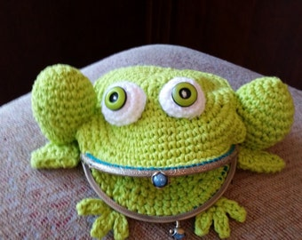 Adorable Green Frog Purse with Shoulder Strap