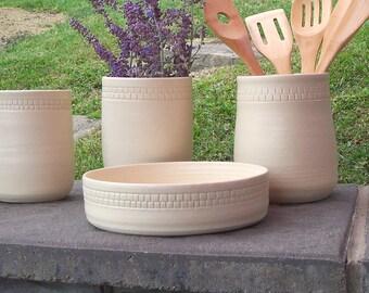 Ceramic Utensil Holder, Kitchen Tool Holder Storage, White Pottery Utensil Crock , Spoon Holder, White Kitchen Decor, Kitchen Spoon Jar