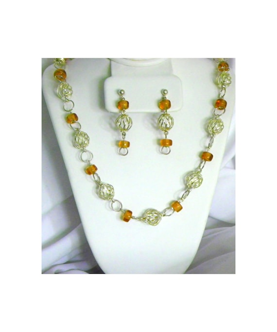 Silver Plated Spiral Wire Ball Beads and Amber Beads Necklace and Earring Set