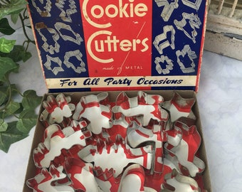 Vintage Set of 12 Metal Cookie Cutters in Original Box Kitchen Cooking Supply