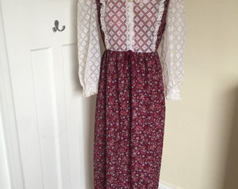 Vintage 1970s maroon dress with lace detail and collar UK size 12-14  (US size 8-10)