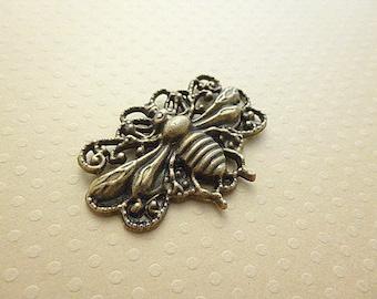 Bronze bee pendant 35 x 29 mm - PB-0075