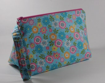 Pretty Spring Flowers Project Bag - Cheerful Sock Project Bag - Zippered Project Bag - Crochet Project Bag - Wedge Bag - Wide Bottom Wege