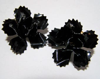 Black Painted Enamel Carnation Earrings, Floral Design White Highlights, Flower Earrings, Clip On Style, Mid Century Era, Retro Jewelry 118