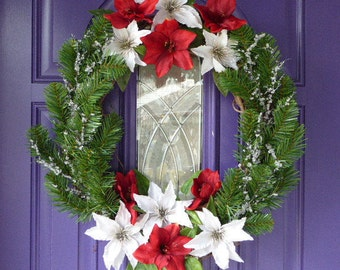 Winter wreath. Holiday wreath, Christmas wreath, Amaryllis and evergreen wreath
