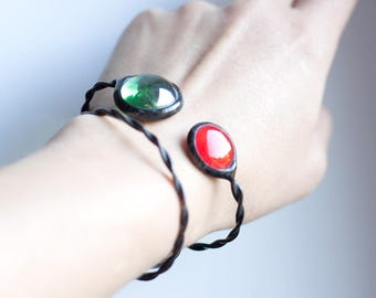 Two Colours Bracelet, Statement Bohemian Jewelry, Red Green Glass Drop Metal Bracelet, Simple Beautiful Gift For Her, Blue Jewellery