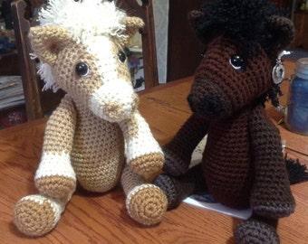Magnum the Horse, Crochet horse, Palomino, Arabian, Quarter Horse, more, Custom made to order