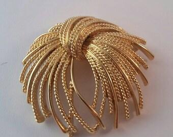 Vintage Gold Tone Monet Knot Brooch