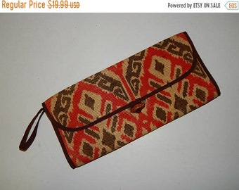 50% On May Vintage 70s Red & Brown Ikat Straw Clutch Purse Wristlet Bag Wallet