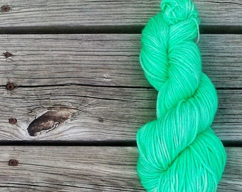 Mint to Be Colorway Mistint, Far Out Base, Dk yarn, Indie dyed yarn, Hand dyed yarn, The Psychodelic Sheep