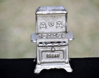 Minature Vintage Toy Stove, metal, collectble, cast iron antique toy,childs toy, #1227