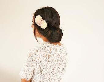 Headband fleurs mariage bohème champêtre, headband mariée ou demoiselles d'honneur mariage fleurs ivoire corail clair