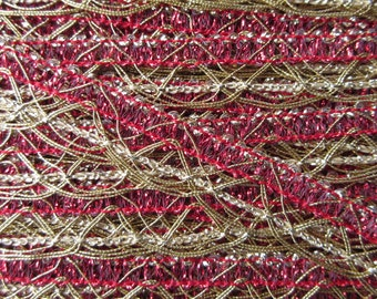 2 Yards Delicate Metallic Trim In Red And Gold Old Store Stock  VT 36