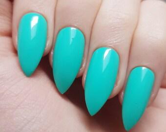 Aqua False Nails