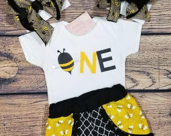 Bee birthday out, bee Coachella  shorts,  Coachella shorts set, bumble bee shirt, bumble bee outfit