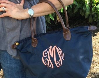 MONOGRAMMED Navy Champ Purse (Font Shown: Master Circle in Pink)