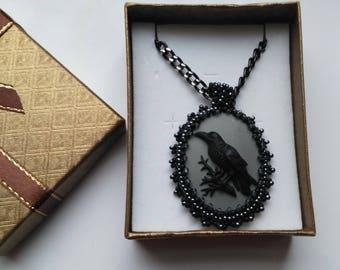 Beadwoven Oval Raven Black Pendant, Gothic Crow Raven Necklace, Black Bird Goth, Large Bird, 40 mm x 30 mm - Resin CAMEO by enchantedbeads