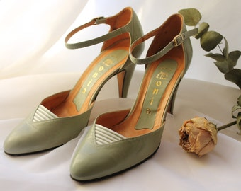 Vintage Mint Green Heels Made in Italy, Italian Leather Ankle Strap Pumps, Bridal Shoes, Seafoam Pale Green. EUR 37 / UK 4 / US 6