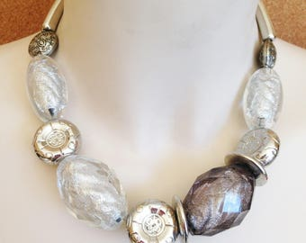 Necklace  - chunky clear lucite and silver beaded necklace retro design