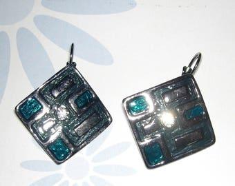 Black Stud Earrings green rhinestone enamel nickel