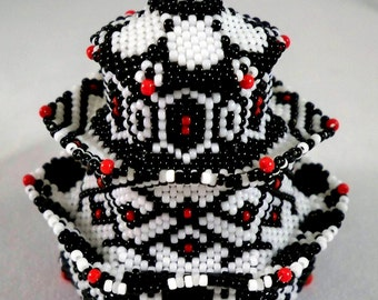 Hexagonal black and white beaded box