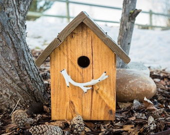 Rustic antler outdoor birdhouse with flip up lid