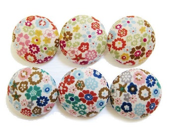 Sewing Buttons / Fabric Buttons - Stars and Blooms Buttons - 6 Large Fabric Buttons - Fabric Covered Buttons