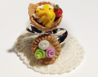 Double Fruit Tarts Ring with sugar roses and mango cream