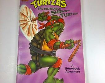 """1990 Teenage Mutant Ninja Turtles Paperback Storybook, """"The Incredible Shrinking Turtles"""""""