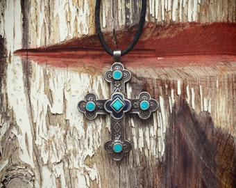 Vintage Tribal Necklace Costume Jewelry Faux Turquoise and Silver Tone Cross Robert Rose Jewelry
