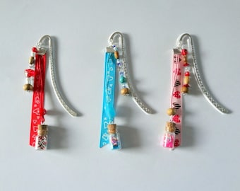 "Bookmark hand - Collection ""Bottles"" with wooden beads """