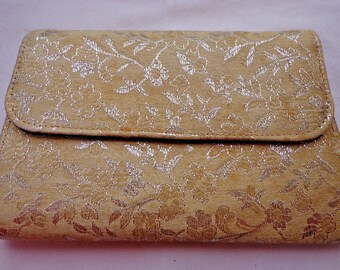 1960s Brocade EVENING BAG. Gold & Silver Brocade Evening Bag. Floral Brocade Clutch Purse. Vintage Wedding Handbag.  Satin Brocade Purse