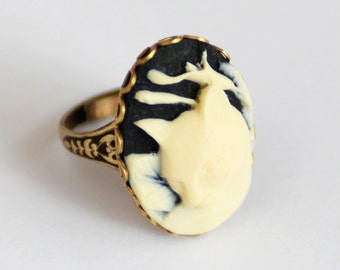 Kitty Cat Ring, Cat Cameo, Kitty Cameo Ring, Cat Lover Gift, Kitty Ring, Cat Jewelry, Pet sympathy Gift, Black and White Cat Ring, SRAJD