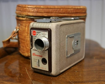 Kodak Brownie 8mm Movie Camera, Cinecamera, video recorder