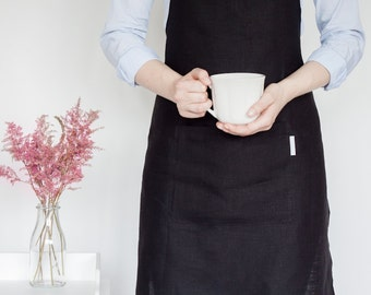 Black and elegant full linen apron with one pocket / must have!