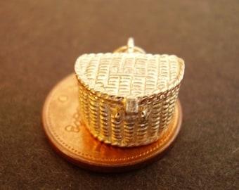9ct 9k Gold Fishing Creel Basket Charm