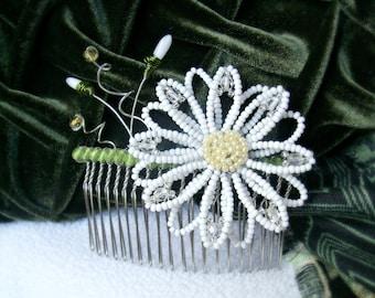 Daisy hair comb - OOAK