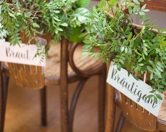 Vintage Stuhldeko Aus Holz Für Die Brautpaar Stühle