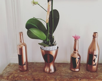 Set of 4 bottles vases LOVE