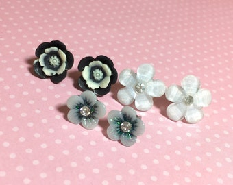 Stud Earrings Set, Black and White Earring Set, White Rhinestone Daisy Studs, Black Rhinestone Daisy Studs, Floral Studs (ES1)